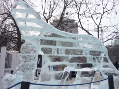 Ice sculpture - polar bear